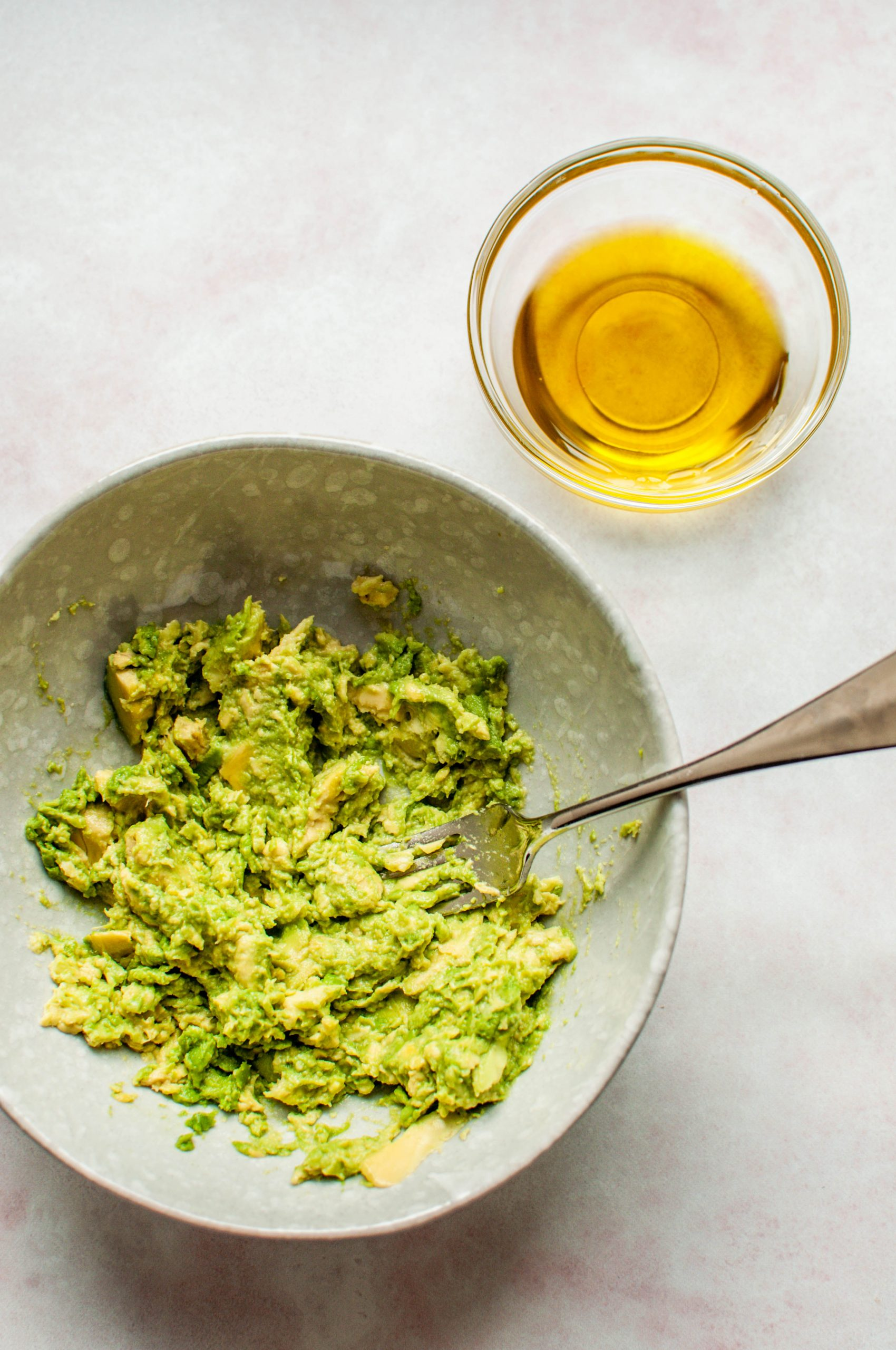 Avocado and Olive Oil for a Hair Mask